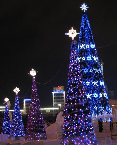 На площади свободы открылась главная елка харькова